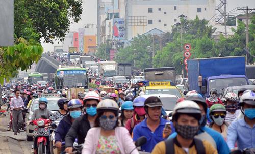 """Mở đường trên đất quân sự, """"giải cứu"""" kẹt xe Tân Sơn Nhất"""