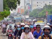 """Tin tức trong ngày - Mở đường trên đất quân sự, """"giải cứu"""" kẹt xe Tân Sơn Nhất"""