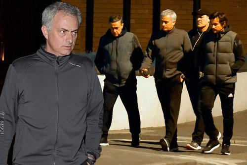 MU: Mơ vé cúp C1, Mourinho họp chiến thuật ở nhà hàng