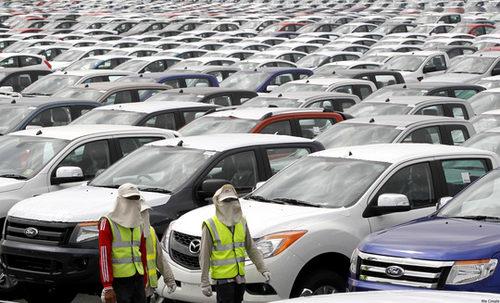 """Thực hư câu chuyện """"ô tô Ấn Độ giá rẻ"""" - 1"""