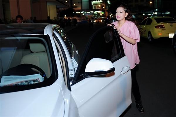 """Kỳ Duyên, Miu Lê dẫn đầu dàn 9X sớm có xe sang, đồ hiệu """"khủng"""" - 6"""