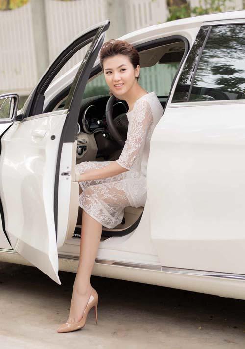 """Kỳ Duyên, Miu Lê dẫn đầu dàn 9X sớm có xe sang, đồ hiệu """"khủng"""" - 12"""