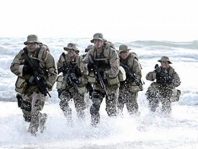 """Đặc nhiệm SEAL Mỹ phát hiện bạn gái đóng phim """"người lớn"""" - 2"""