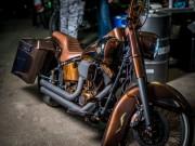 Thế giới xe - Ngắm Harley-Davidson Fat Boy độ màu đồng sang chảnh