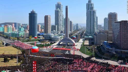"""Kim Jong-un mời báo Mỹ xem thứ mạnh như """"100 bom hạt nhân"""" - 3"""