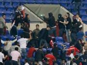 Bóng đá - Europa League: CĐV hỗn chiến, choảng cả fan nhí