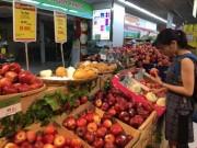 Thị trường - Tiêu dùng - Giật mình với táo Mỹ siêu rẻ đổ đống ở siêu thị Việt