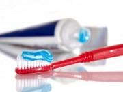 7 công dụng bất ngờ từ kem đánh răng và bàn chải