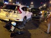 Tin tức trong ngày - Chạy ngược chiều giờ cao điểm, xe bán tải gây tai nạn kinh hoàng
