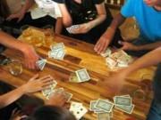 An ninh Xã hội - Khởi tố vụ đánh bạc, bí thư phường nhảy lầu 3 hòng trốn thoát