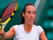 Tennis:  Gái hư  tung cú xuất thần, gái đẹp chỉ biết nhìn