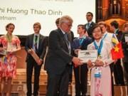 Giáo dục - du học - Con gái người bán phở giành học bổng ĐH hàng đầu thế giới