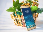 Thời trang Hi-tech - Smartphone màn hình khủng hút khách nhờ giá rẻ