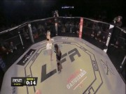 """UFC: 3.650 ngày 1 tuyệt chiêu  """" đá phát đổ như chuối """""""