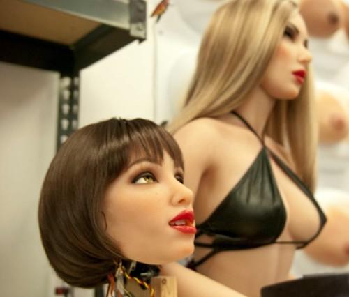 """""""Thiên thần"""" robot tình dục tự học sở thích của chủ nhân - 2"""