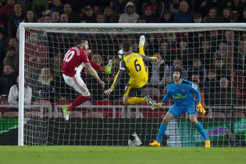 """Arsenal: Wenger học theo Mourinho, """"bung lụa"""" sau 20 năm - 2"""