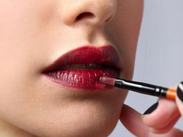 Mua son môi, lây… bệnh tình dục - 2