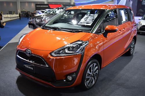 """Toyota Sienta: """"Innova thu nhỏ"""" giá 494 triệu đồng"""