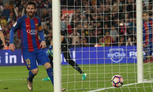 "Cúp C1: Ronaldo lập hattrick, Messi có lên ""cơn điên""? - 1"