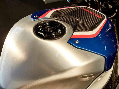 Tường tận siêu môtô BMW HP4 Race giá gần 2 tỷ đồng - 4