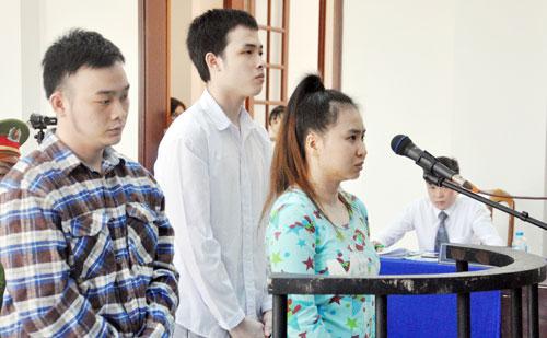 Vụ nữ sinh bị tạt axit mù mắt ở Sài Gòn: Xuất hiện tình tiết bất ngờ - 1