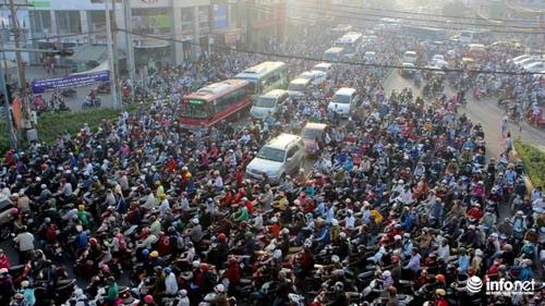 Phải đánh vào kinh tế để người dân từ bỏ xe máy! - 1