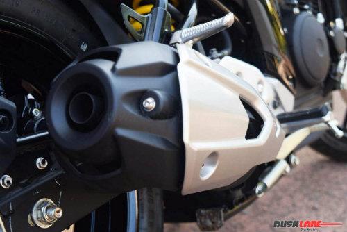 """2017 Yamaha FZ25 có xứng đáng là """"chúa tể đường phố""""? - 12"""