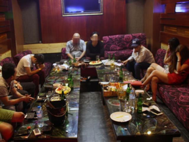 Gần 20 dân chơi Sài Gòn xuống Cần Thơ mở tiệc ma tuý