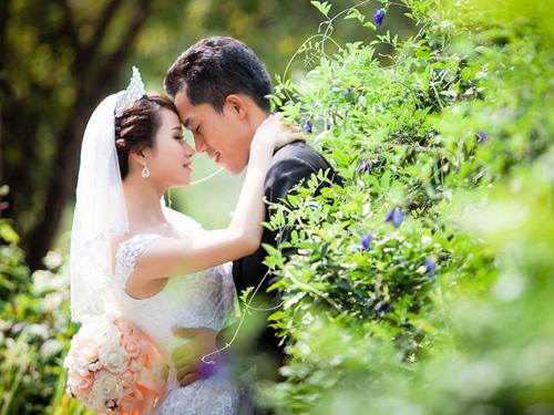 Chàng trai 30 năm ế chỏng chơ bất ngờ cưới được vợ quá xinh đẹp - ảnh 5