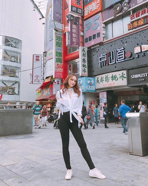 """""""Ngất"""" vì mặt thay đổi xoành xoạch của Hương Giang Idol - 4"""