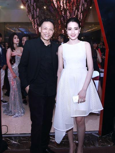 Những cô vợ nõn nà, trẻ hơn chồng 25-30 tuổi của showbiz Việt - ảnh 1