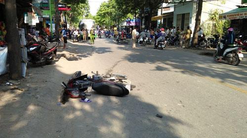 3 người nằm bất động trên phố SG sau va chạm cực mạnh - ảnh 1