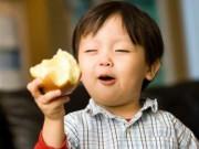 Tin tức sức khỏe - Đừng nghĩ ép con ăn là tốt, đây mới là cách chuẩn trị bé lười ăn!