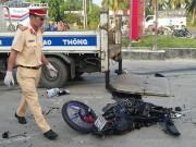 Tin tức trong ngày - Bị xe tải kéo lê, đôi nam nữ tử vong thương tâm