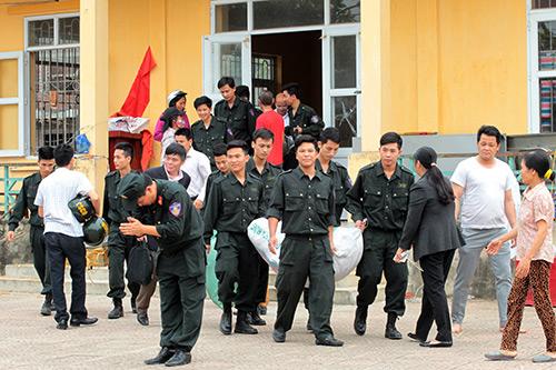 Ảnh: Toàn cảnh buổi thả 19 cán bộ, chiến sĩ tại Đồng Tâm - 1