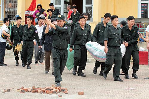 Ảnh: Toàn cảnh buổi thả 19 cán bộ, chiến sĩ tại Đồng Tâm - 5