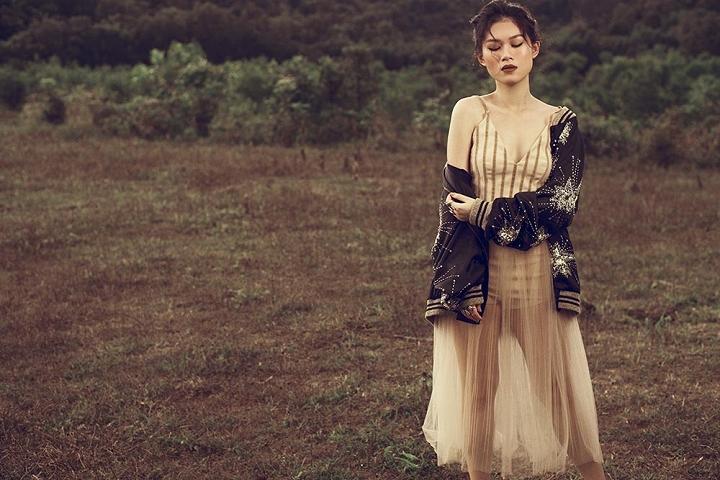 Học con gái nuôi xinh đẹp của Đàm Vĩnh Hưng mix phục trang hè - 5