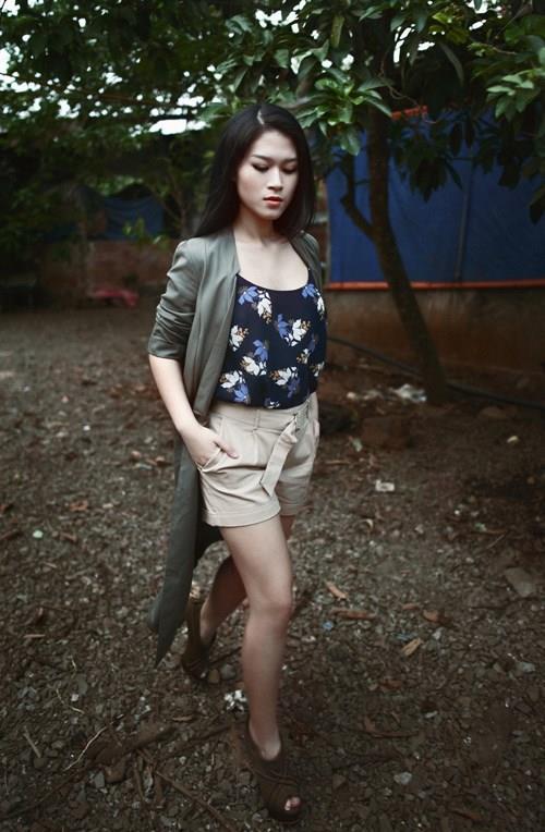 Học con gái nuôi xinh đẹp của Đàm Vĩnh Hưng mix phục trang hè - 7