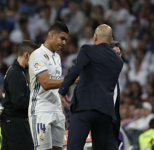 """Real thua đau Barca ở Bernabeu: """"Tội đồ"""" số 1 Zidane - 5"""