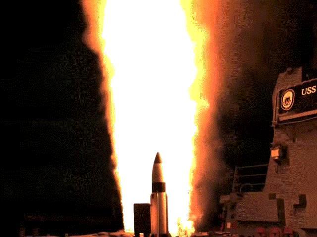 Tàu sân bay Mỹ chống đỡ thế nào nếu Triều Tiên tấn công?