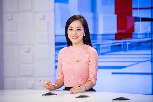 """""""Vàng Anh"""" Minh Hương khoe eo thon, dáng chuẩn nuột từng cm - 10"""