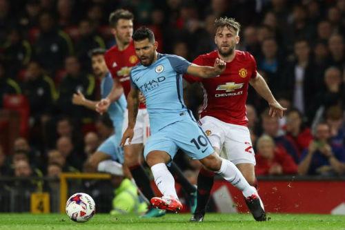 """Trước derby Manchester, Aguero """"bóng gió"""" chọc tức MU"""