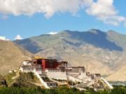 Bên trong cung điện huyền bí khổng lồ tại Tây Tạng