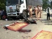 Tin tức trong ngày - Hai thanh niên chết thảm dưới bánh xe tải ở Hòa Bình
