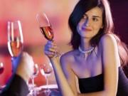 Đòi chia tiền khi hẹn hò, cô gái bị đánh trầy da chảy máu