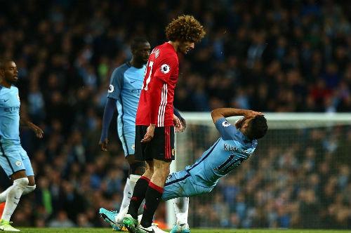 MU: Mourinho bị chê nhát, Fellaini tàn nghiệp bán cả nhà