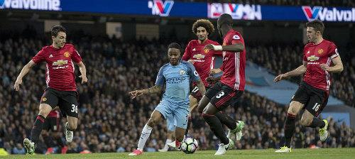 """MU """"vượt ngục"""" Etihad: Mourinho hồi sinh đặc sản phòng ngự"""