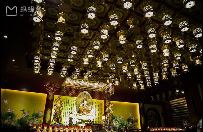 Choáng ngợp ngôi chùa 75 triệu USD lộng lẫy giữa quốc đảo Singapore-6