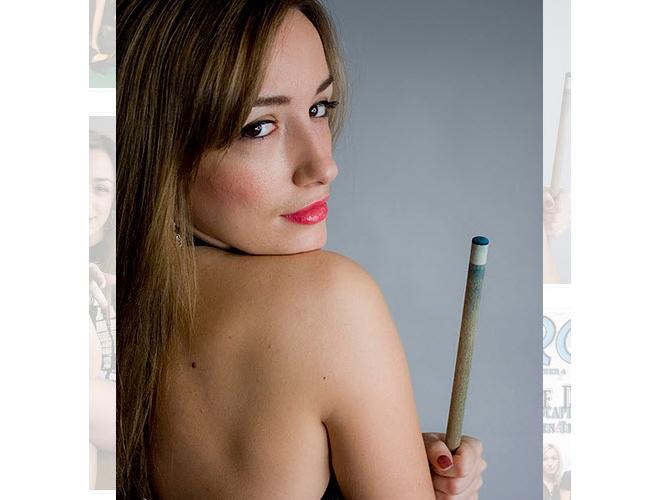 Ngoài công việc là một cơ thủ, cô còn tham gia đóng phim và làm người mẫu quảng cáo.