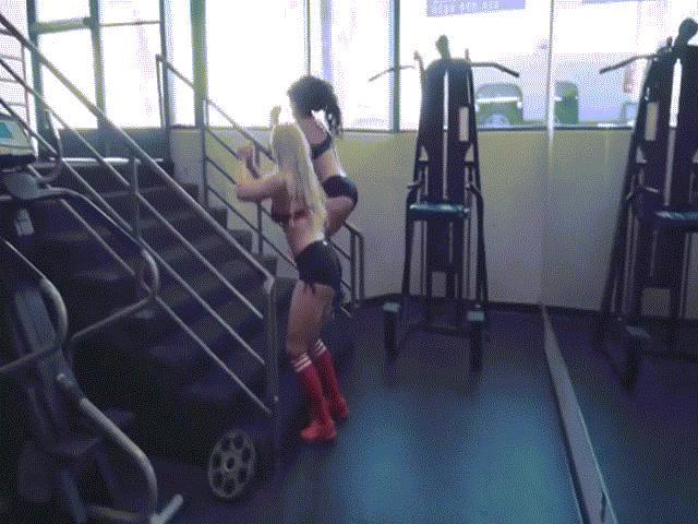 Gục ngã trước clip tập gym nóng bỏng của hai mỹ nữ nhảy như thỏ